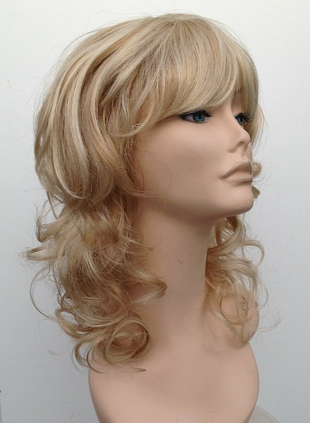 Blonde timeless chic wig 1